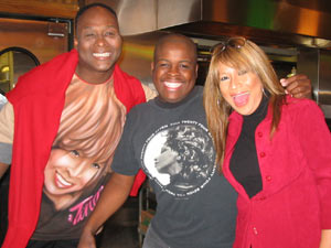 In Chicago, Tina Turner Tribute Artist, Luisa Marshall, reunited with best friends Larry Edwards from Las Vegas and Donovan Clay from LA to see Tina Turner at the Oprah Winfrey Show.