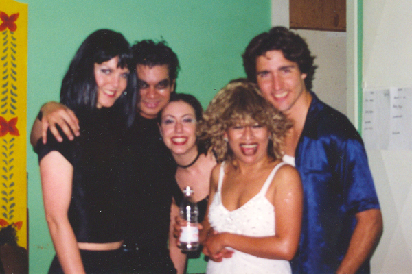 Tina Turner Tribute Artist, Luisa Marshall with her dancers and Justin Trudeau.